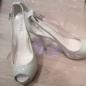 Guess shoes 7 1/2 addison pumps.